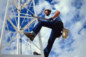 Reach for the blue sky: what about a career as a Tower Technician?